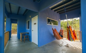 Casa-Pia-rent-private-room-family-vacation-beach-affordable-hammock-area1